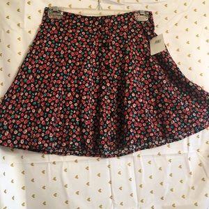 NWT Lush red floral print skirt. Small, 100% rayon